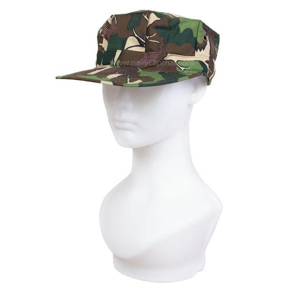 หมวกทรงแปดเหลี่ยมลายป่าไม้