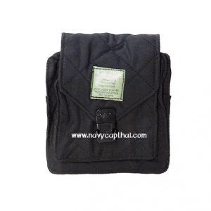 กระเป๋าสี่เหลี่ยมร้อยเข็มขัดสีดำ
