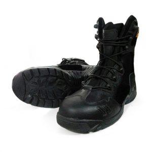 รองเท้า Magnum ข้อยาวสีดำ