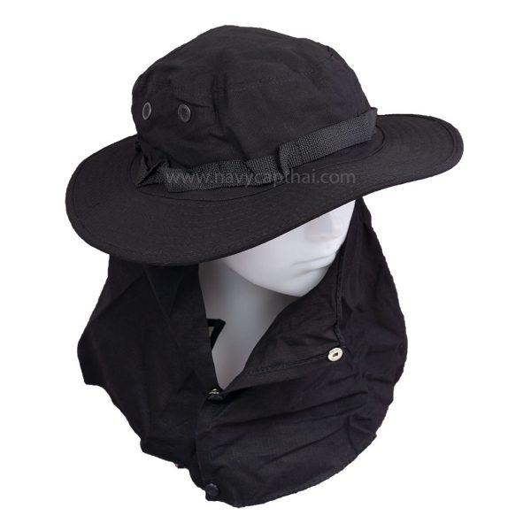 หมวกปีกรอบสีดำมีผ้าปิด